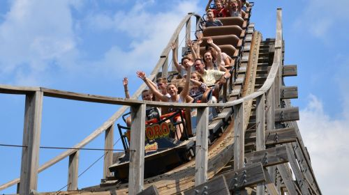 Größste Holzachterbahn im Freizeitpark Plohn