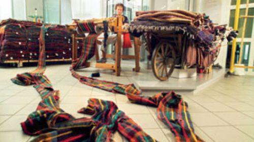 Der längste handgewebte Schal der Welt